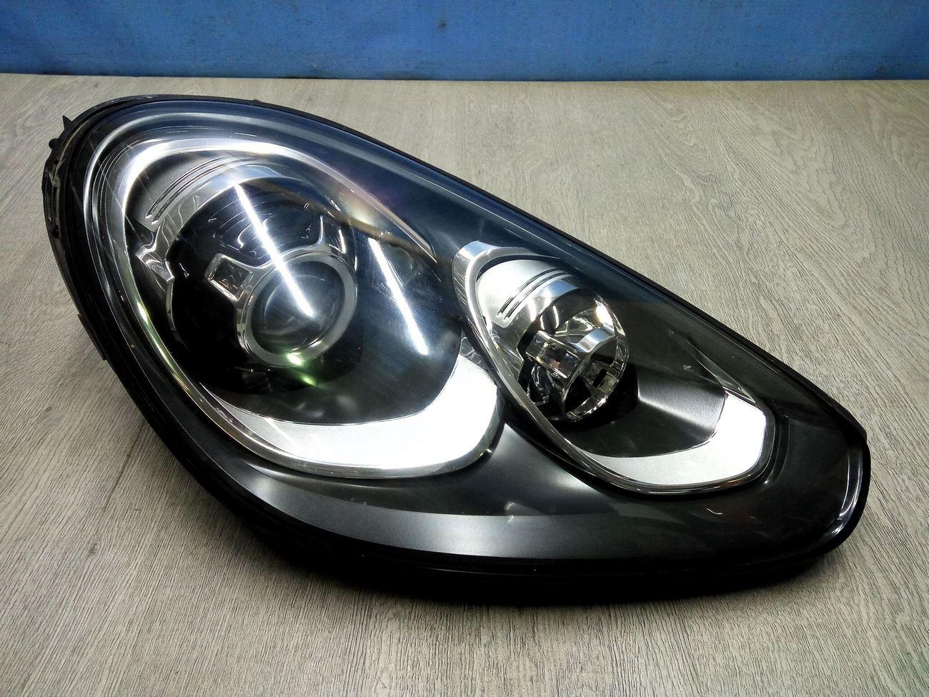 Фара правая Porsche Cayenne 2 958 (2010-нв)